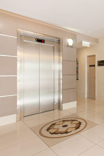 Hotel Gloria Elevator - Your home away from home