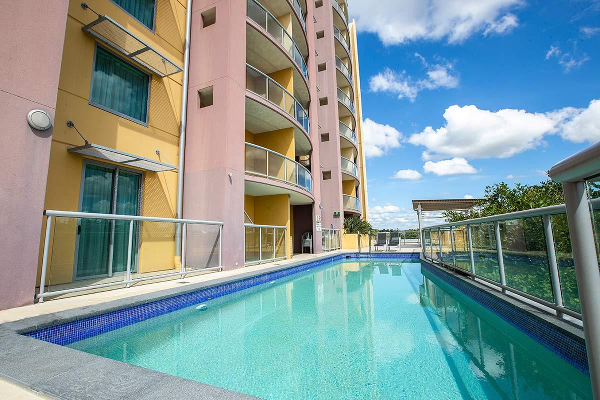 Hotel Gloria at the pool