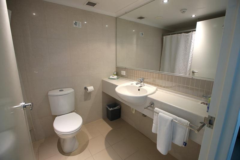 Hotel King Room - Bathroom - Hotel Gloria