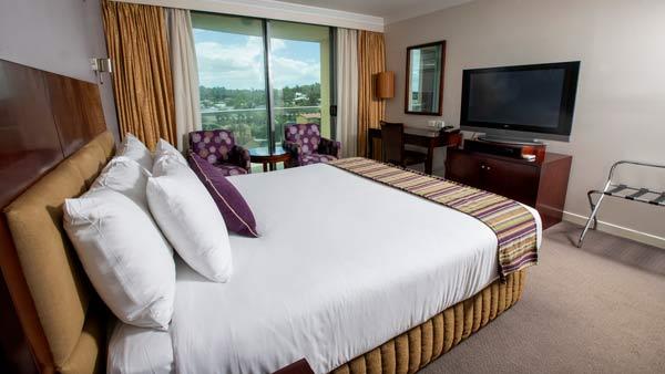 King Bed hotel room - Hotel Gloria